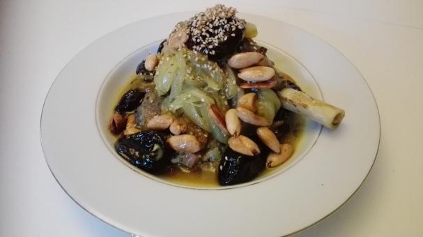 plat maison : tajine aux pruneaux & amandes grillées